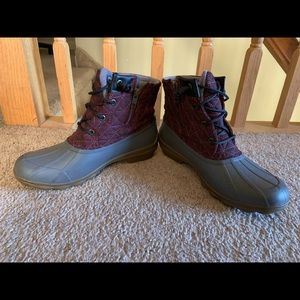 Sperry Shoes - SPERRY boots !